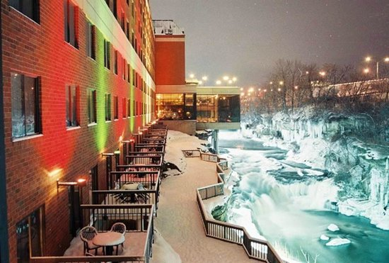 Sheraton Suites Akron Cuyahoga Falls Back Exterior In The Winter