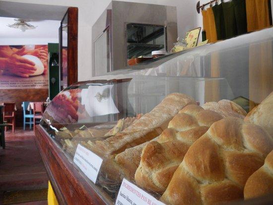 Panaderia Italiana de Mosoq Runa: Tienda