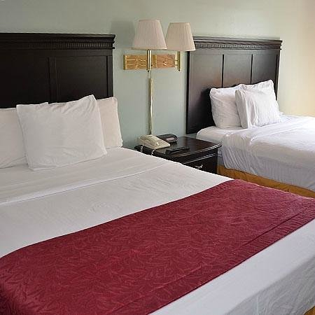 Quality Inn: 2 Queen Bed Room