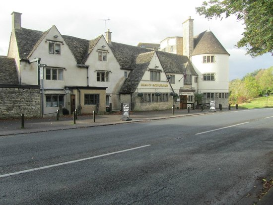 The Bear of Rodborough Hotel: Front View