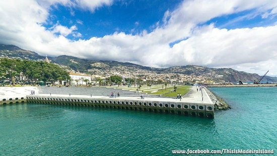 Four Views Monumental Lido: New Funchal Bay