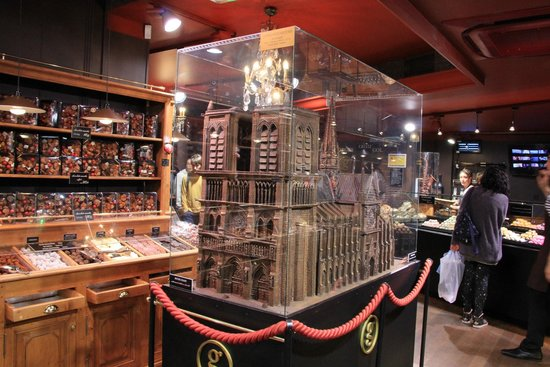 Le petit musee du chocolat paris 2018 all you need to - Le petit salon paris ...