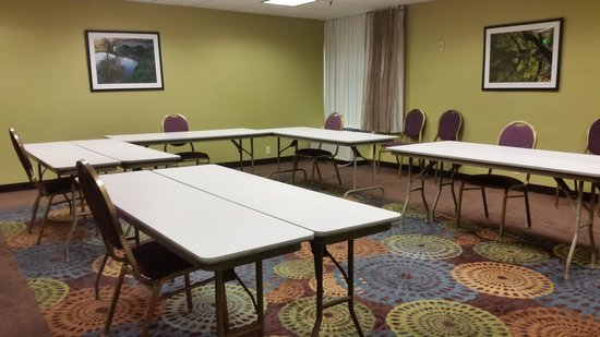 Holiday Inn Express Hunt Valley: Conf. room