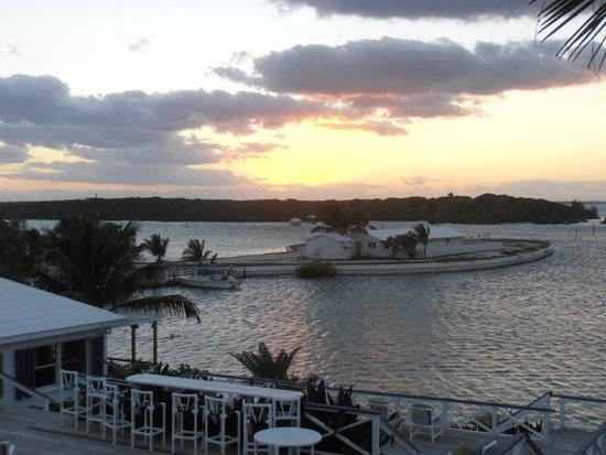 Abaco Inn: Sunset outside our Villa back deck - Bay side