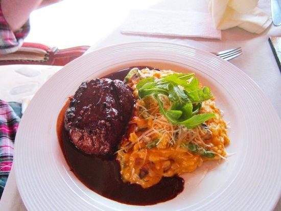 Añañau Restaurante: Extra-ordinary Lomo a las 4 Pimientas and risoto rice!!