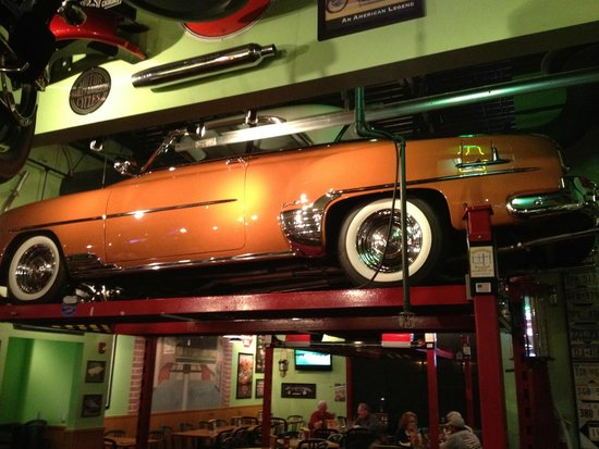 Cars Motorcycles Everywhere Picture Of Quaker Steak Lube