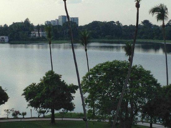 Inya Lake Hotel, Yangon: Lake View From Hotel