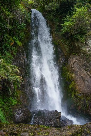 Buried Village of Te Wairoa: The beautiful waterfall on the extended walking path