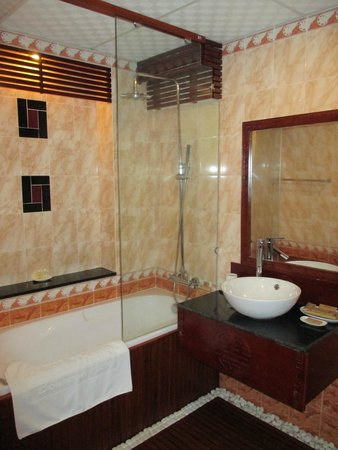 Thien Thanh Boutique Hotel: Bad