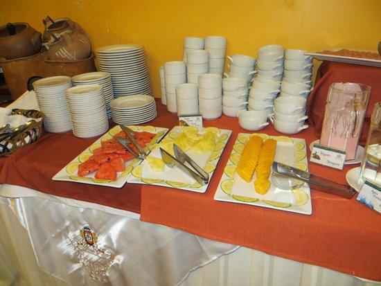 Hotel Hacienda Plaza de Armas: Завтрак.