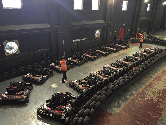 TeamSport Go Karting Brighton: Pit lane