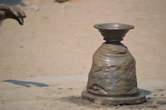 Pottery Square: Elaboración de vasija.