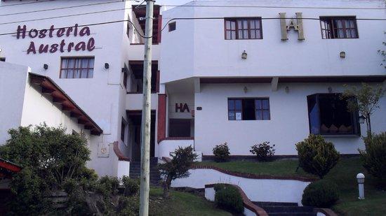 Hosteria Austral: frente de la hosteria