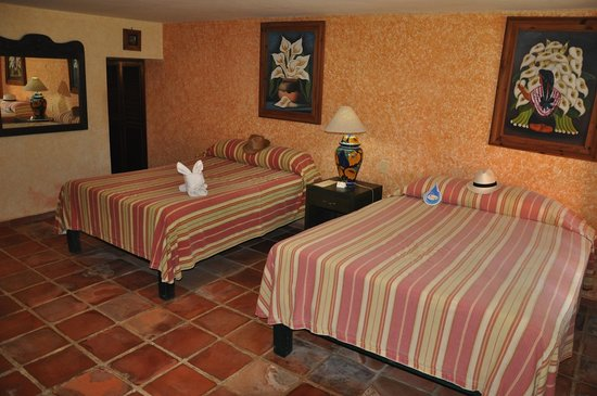 Hacienda San Miguel Hotel & Suites: Room
