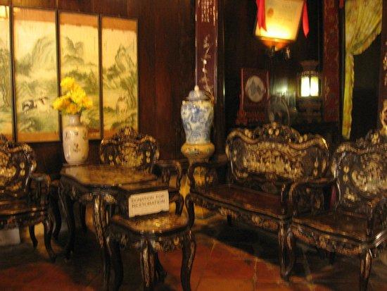 Old House of Tan Ky: mobiliario con incrustaciones de nácar