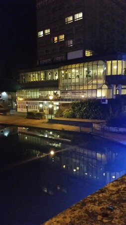 Park Inn by Radisson Bedford: Night View