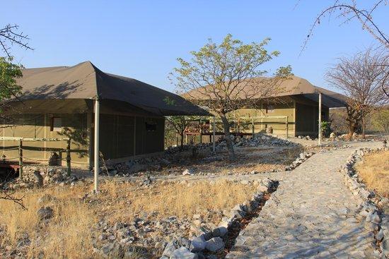 Eagle Tented Lodge & Spa: vista das cabanas