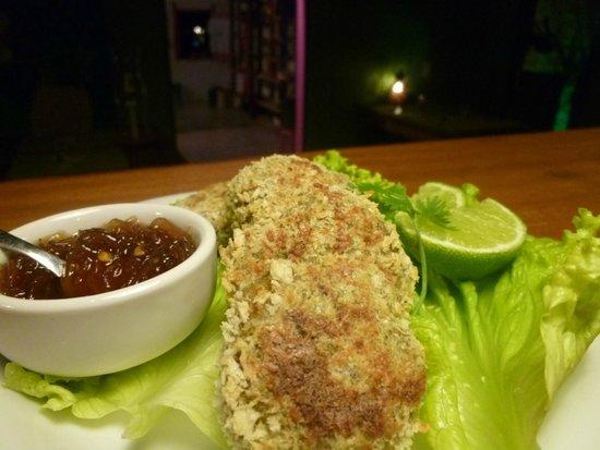 Thaicoso : Bolinhos de siri com chutney de mamão verde