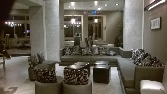 فلوريس هوتل يوستل: lounge