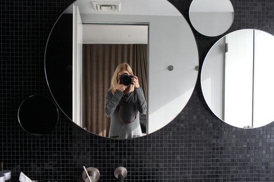 Hotel On Rivington: Cool Bathroom Mirrors
