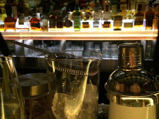 Isabel Bar & Restaurant: Bar