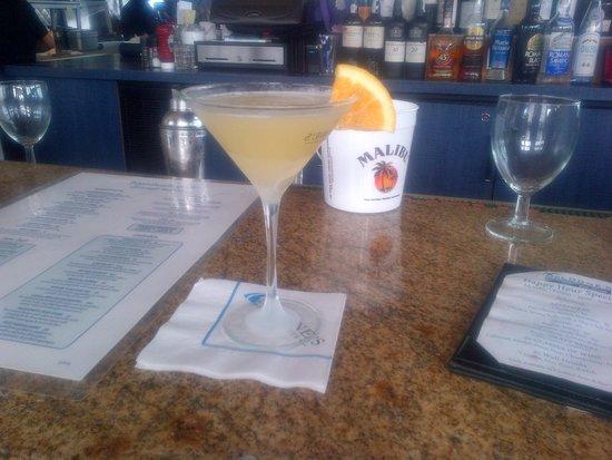 McLoone's Pier House: Long Beach Sunrise Martini and Rum Bucket!