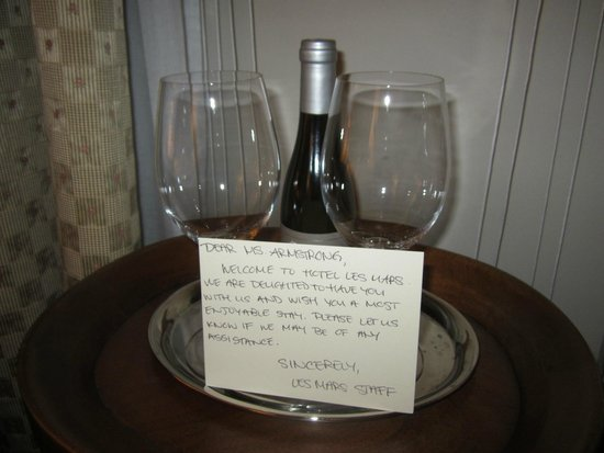 Hotel Les Mars, Relais & Chateaux: Welcome Note and Wine
