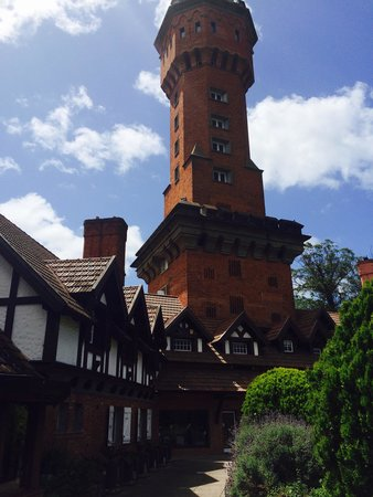Hotel L'Auberge: I was in a tower room