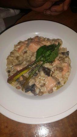 Finca Lerida: Exquisito arroz cremoso con salmón y guandú