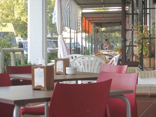 Hostal La Fonda del Rocio : Appena fuori dall'albergo