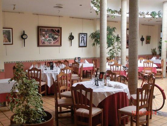 Sa Canova Restaurant: Оригинальный интерьер