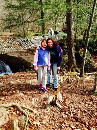 Claryville, estado de Nueva York: Cable bridge Hike