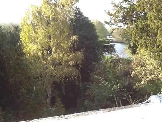 Innkeeper's Lodge Norwich: view from bathroom window
