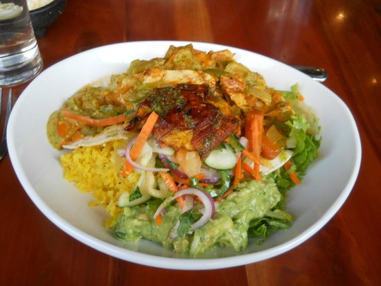 Salsa Mexican Caribbean Restaurant : yummy lunch entree w/chicken, avocado, curry