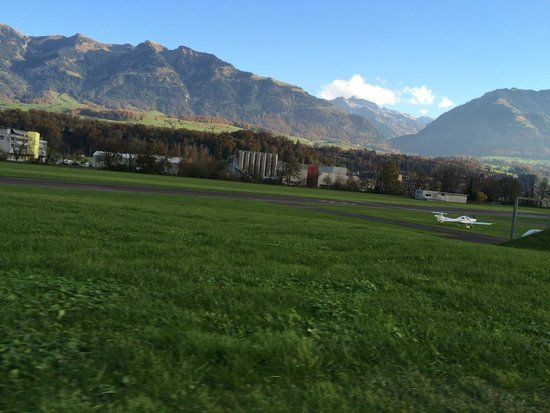 Sarnen, Switzerland: Взлётная полоса