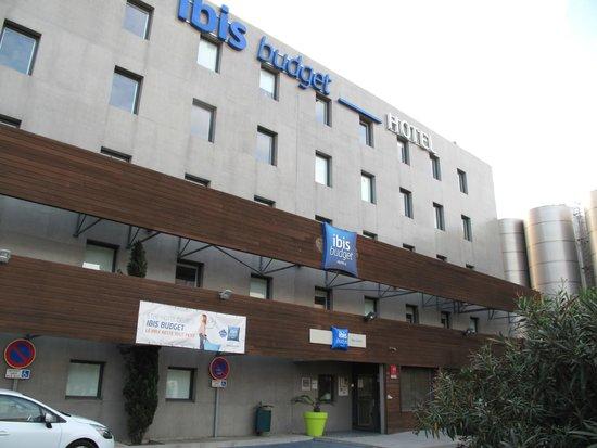 Ibis Budget Sete Centre : Façade coté rue (devant)