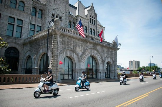 Nashville Scooter Tours Zooming By Union Station Hotel En Route To Lower Broadway