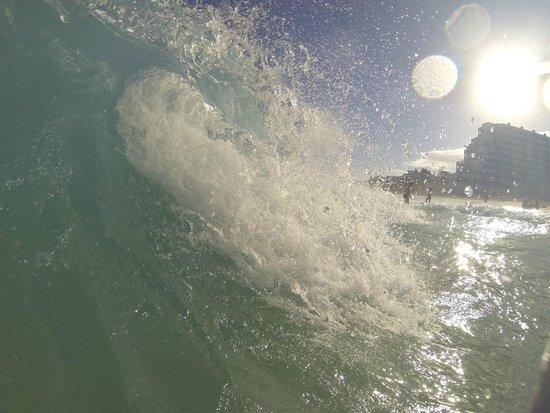 Crown Paradise Club Cancun: waves