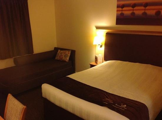 Premier Inn Bridgwater Hotel: Room 6