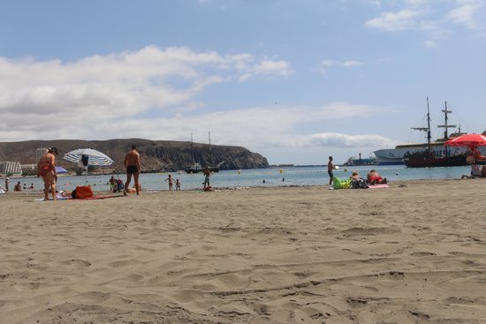 Apartamentos HG Cristian Sur: Nearest beach