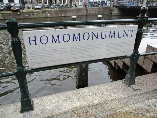 Homomonument : the sign