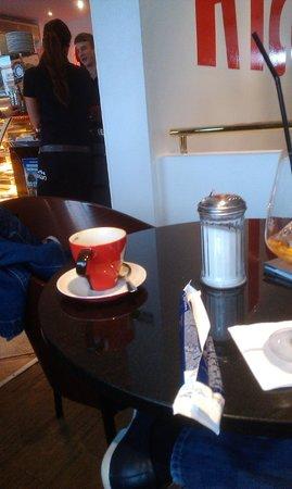 Cafe RICO: ein traumhafter kaffee mit Schaumhaube^^