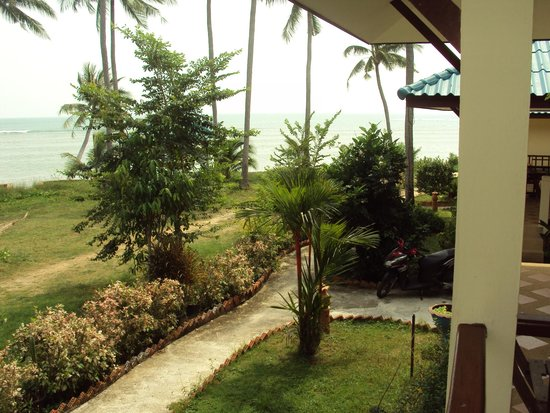 Three Trees Samui Resort : The view from our chalet