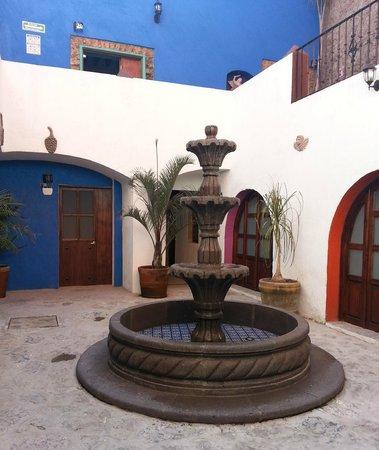 ホテル カサ アボレンゴ