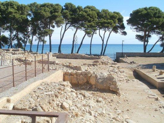 Ruinas de Empuries: view of the Mediterranean