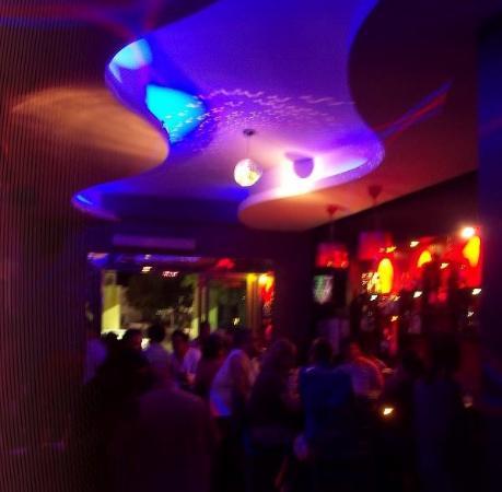 La Noche Un Bar