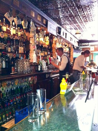 Seamus McCaffrey Irish Pub: Flying around the beautiful bar...