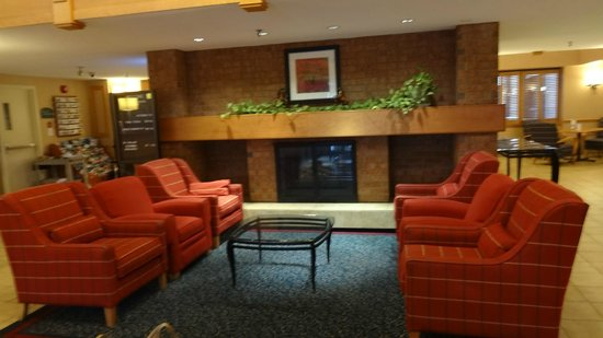 Holiday Inn Express Toronto East: HALL
