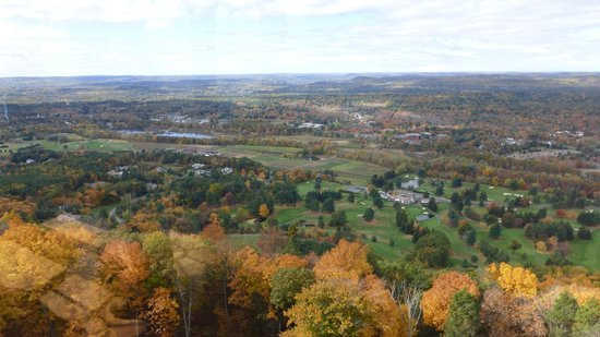 Talcott Mountain State Park: view from tower