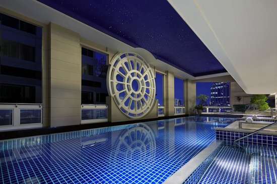 Mayfair, Bangkok - Marriott Executive Apartments: Rooftop Swimming Pool